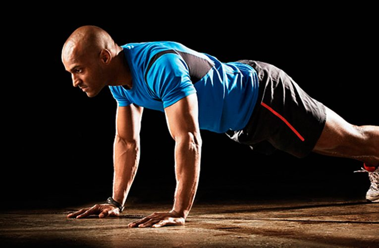 Push-ups from the floor: how to do it CORRECTLY (+ push-ups program)